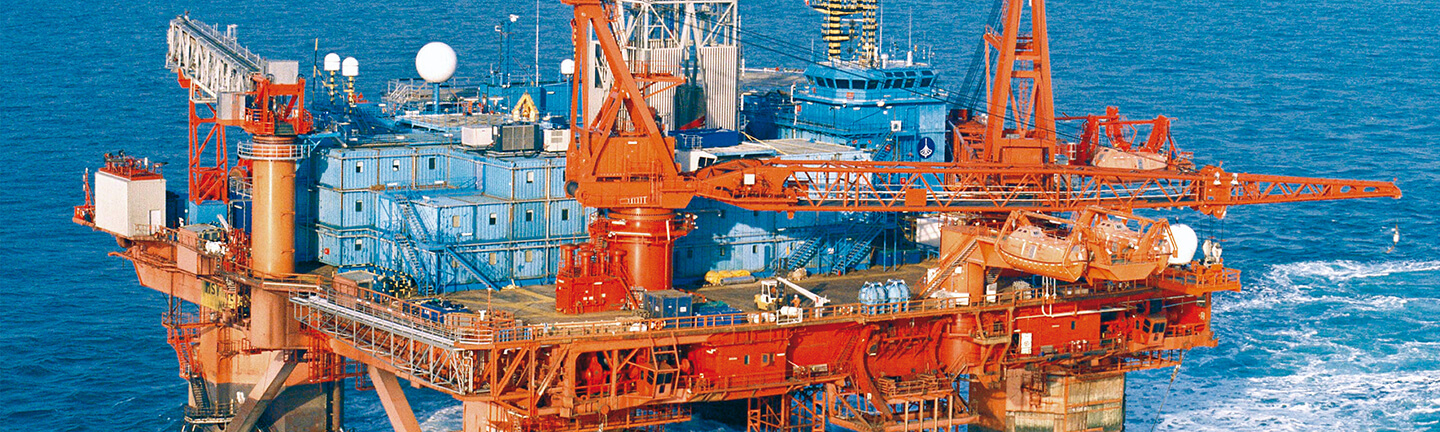In the middle of the ocean – reliable, cost-effective, and safe steel wire ropes