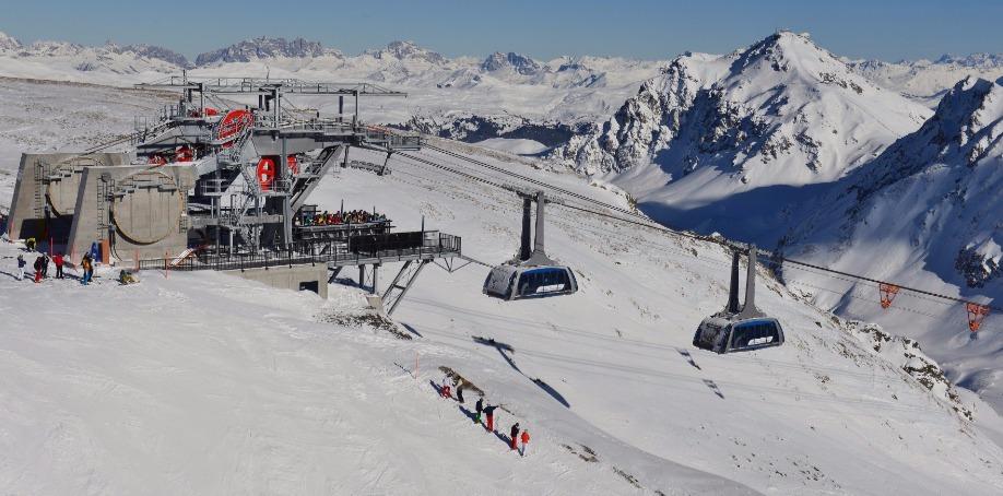 Arosa-Lenzerheide, Switzerland (reversible aerial ropeway)