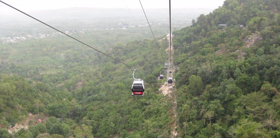 Chua Chan Pagoda, Vietnam (gondola ropeway
